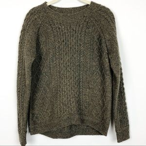 Orvis green crew neck cable knit sweater